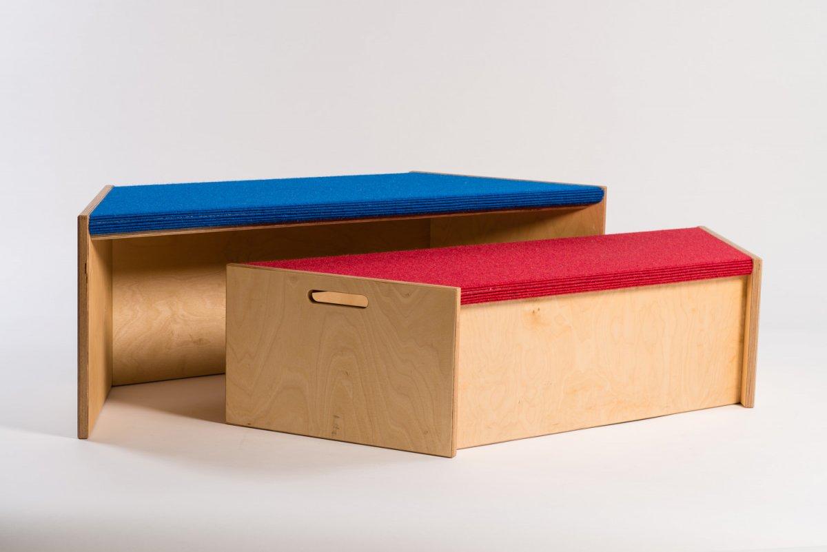 teppichpodeste und b chertr ge elbe werkst tten. Black Bedroom Furniture Sets. Home Design Ideas